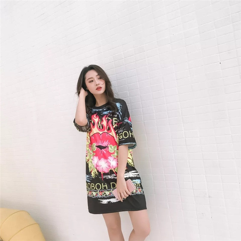 spring and summer new Harajuku fashion round neck short-sleeved graffiti printing long paragraph ladies short-sleeved T-shirt