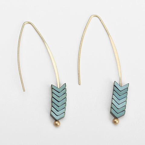 V Earrings - Tausii