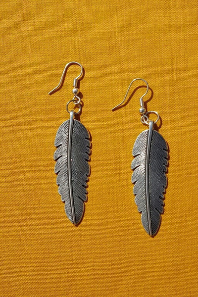 Leaf Motif Silver Earrings - Tausii