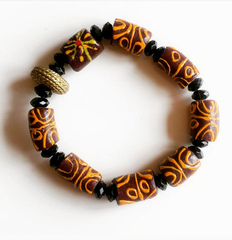 Beaded Bracelet with Tribal Print - Tausii