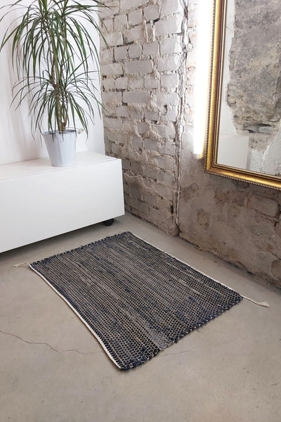 AUS/KOOME KOOS carpet from post-consumer denim | 60x80cm Dark blue