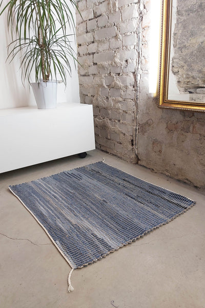 AUS/KOOME KOOS carpet from post-consumer denim | 60x80cm Light blue