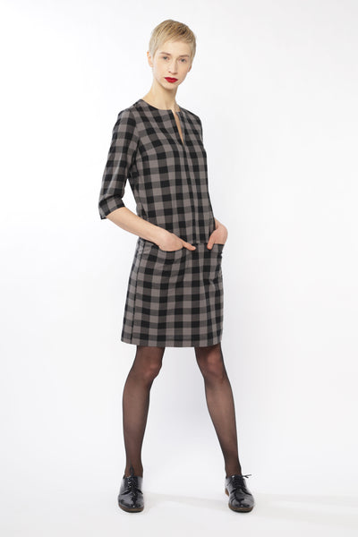 Drop waist dress | Dark grey checkered