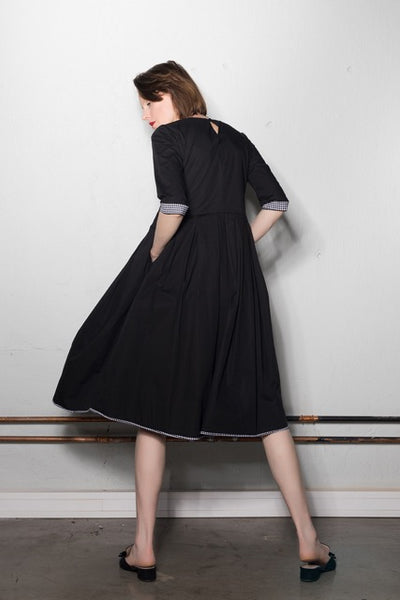 3/4 sleeve multi-fold dress | Black