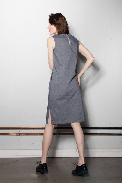 Sleeveless I-line dress | Blue