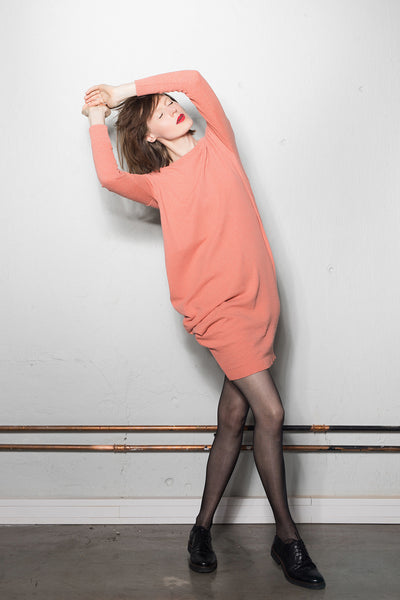 Women's asymmetric knitted dress: salmon pink
