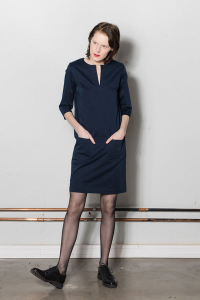 Drop waist dress, front pockets / W501E