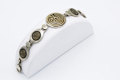 Man in Maze 14 Gold Link Bracelet