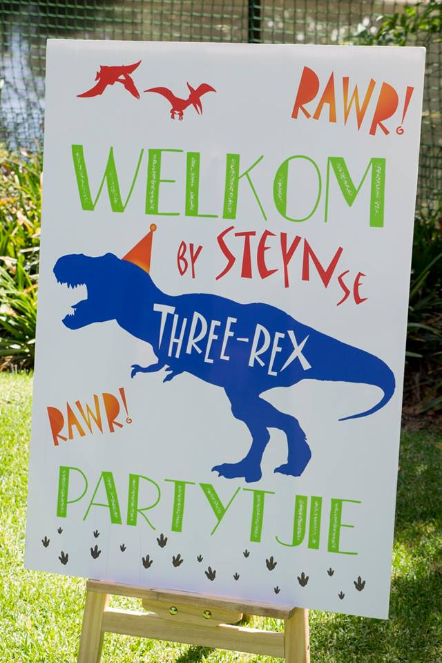 Dinosaur Welcome Board, Dinosaur Party