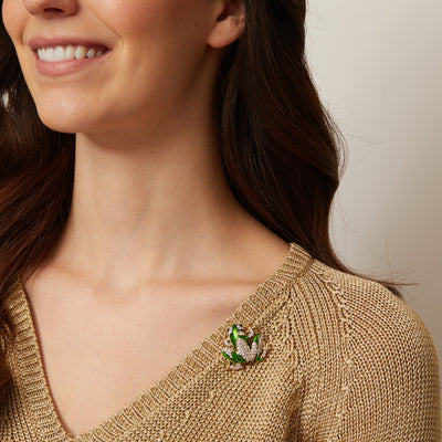 frog brooch in green