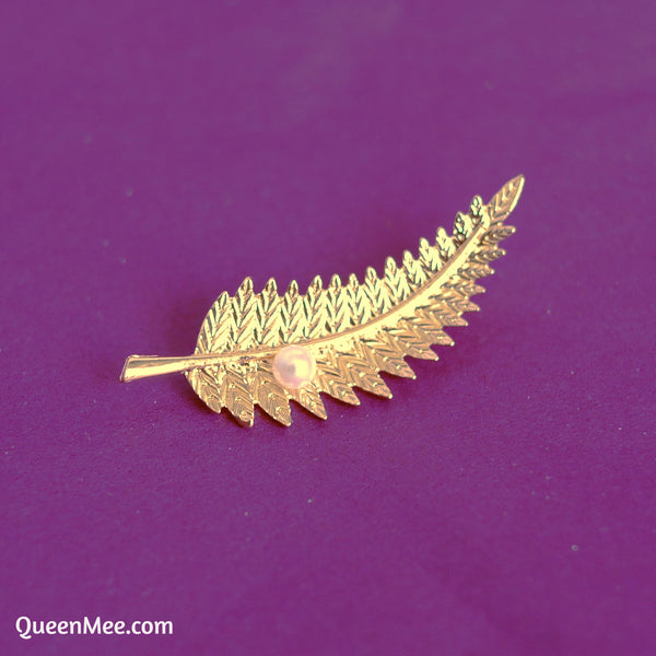leaf brooch fern in gold with pearl