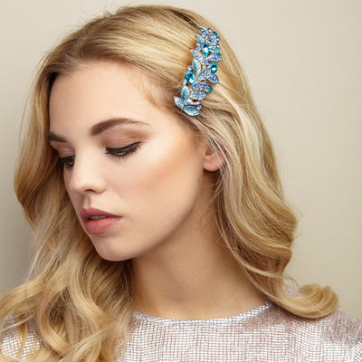 vintage hair clip leaf in blue with hair down