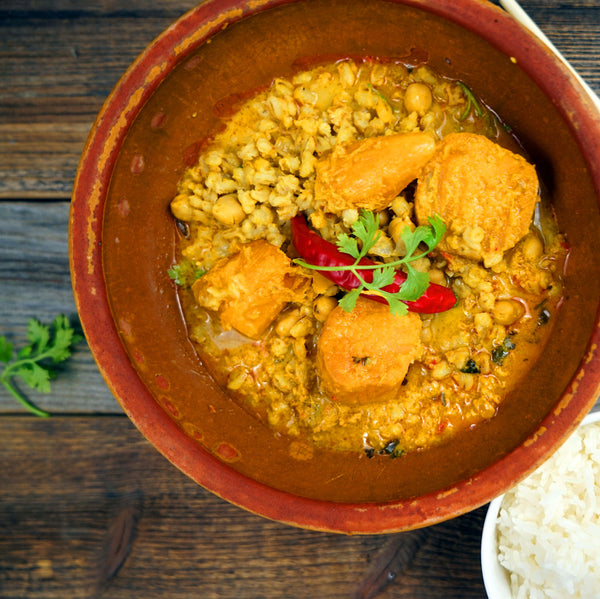 Red curry with sweet potatoes, chickpea & barley