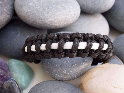 Black & White Paracord Bracelet