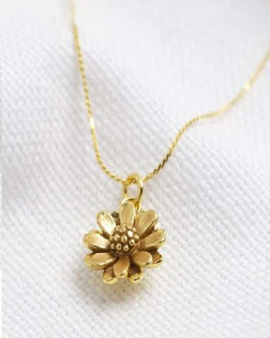 Worn Daisy Necklace