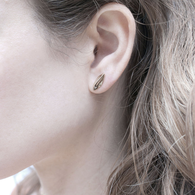 Tide Stud Earrings in Gold