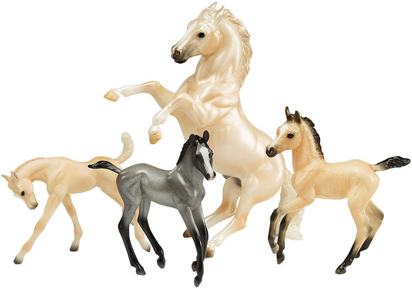 Breyer Traditional Series Cloud's Legend | 4 Horse Set | Horse Toy Model | 1:9 Scale | Model #1808