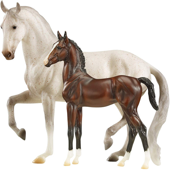Breyer Traditional Series Favory Airiella Gift Set Horse 1:9 Scale Model #1827
