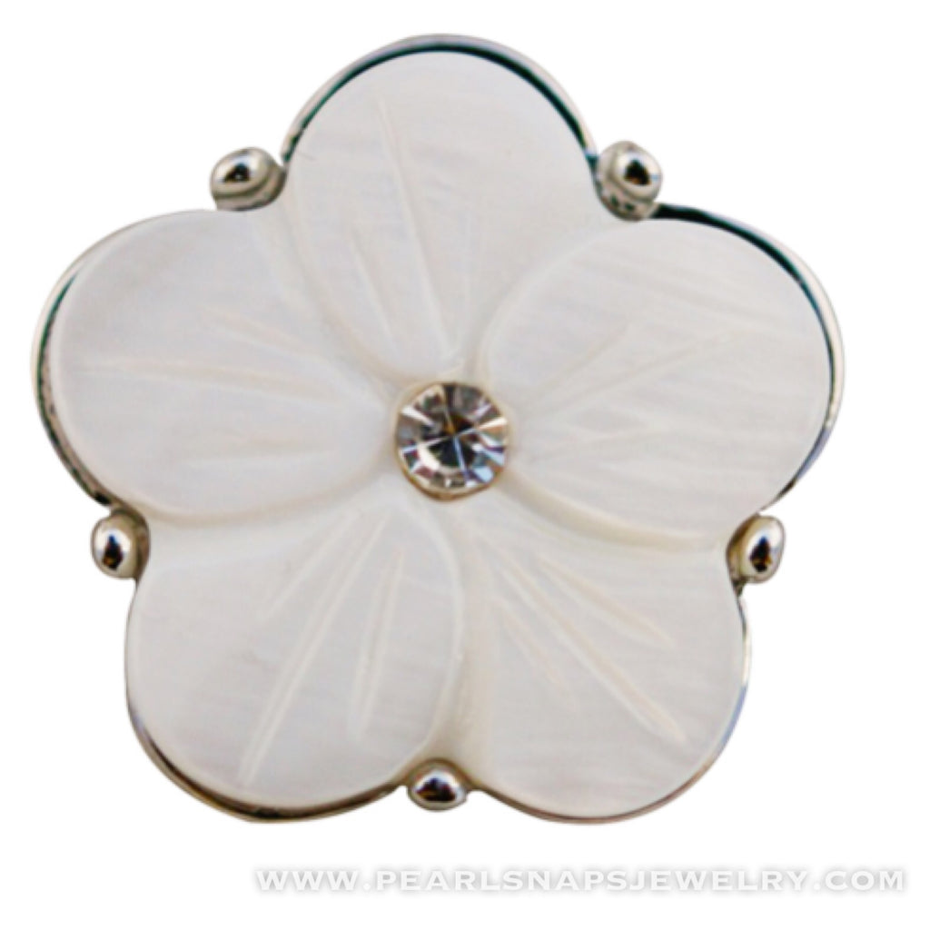 Leta's Bouquet Jewel Center Snap Ivory White
