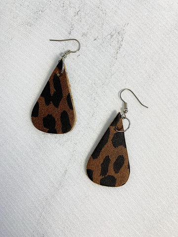 Capoeira Leather Earrings Brown Leopard Print