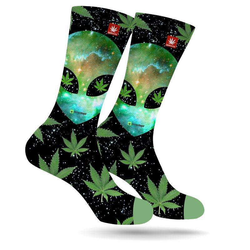 alien_eyes_weed_socks
