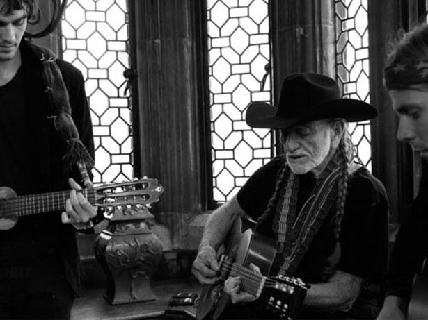 Quarantunes | Willie Nelson & Family