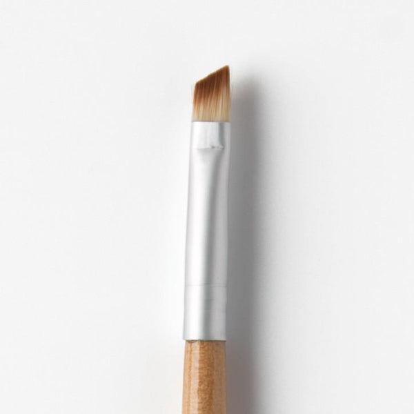 Angled Brush - Professional makeup brushes