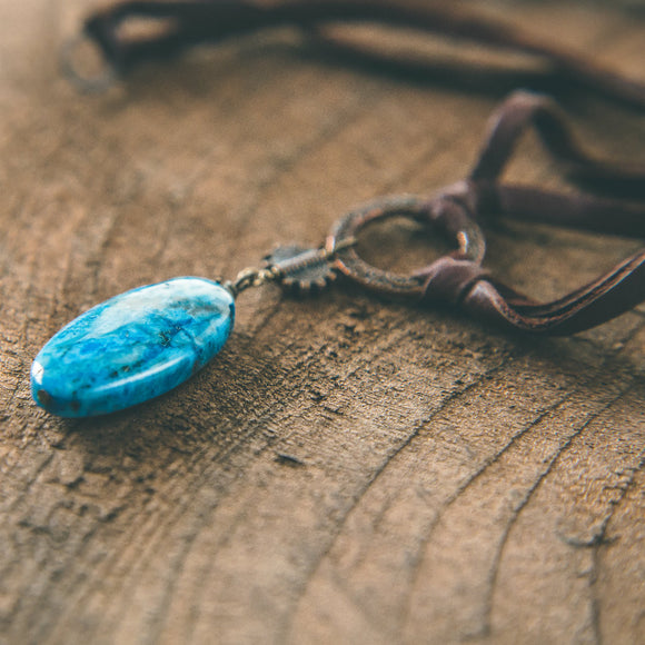Once in A Blue Moon: Agate Leather Choker Necklace