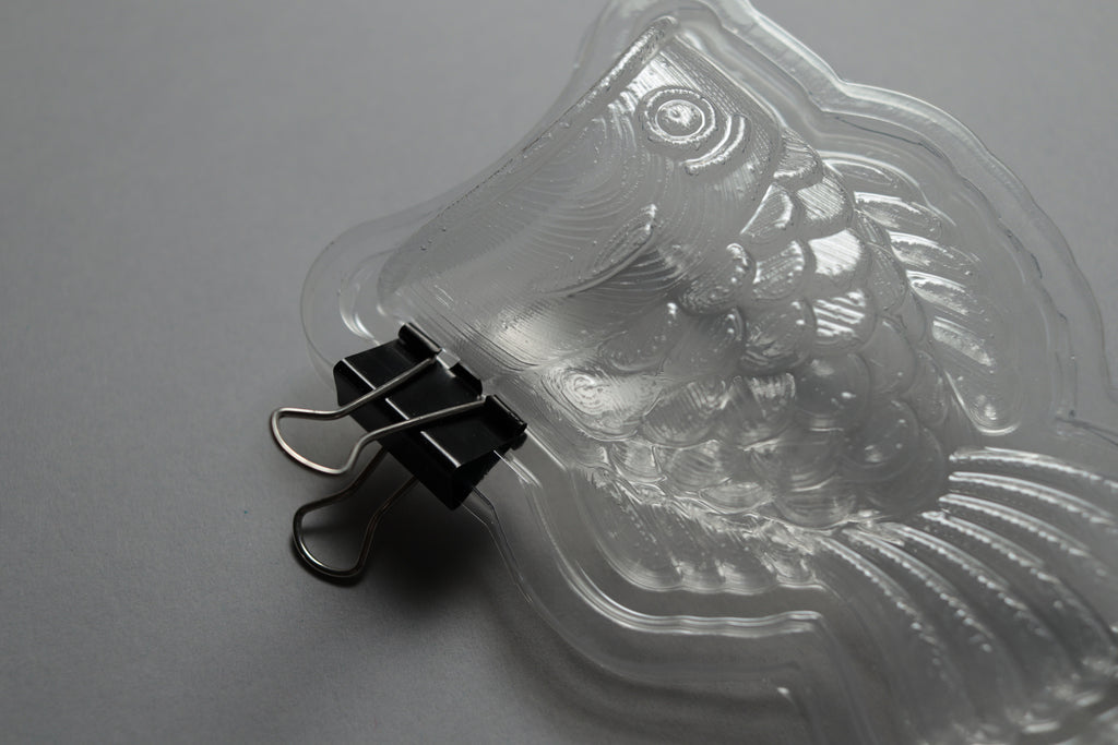 two-part mold connector system: barrier and binder clips
