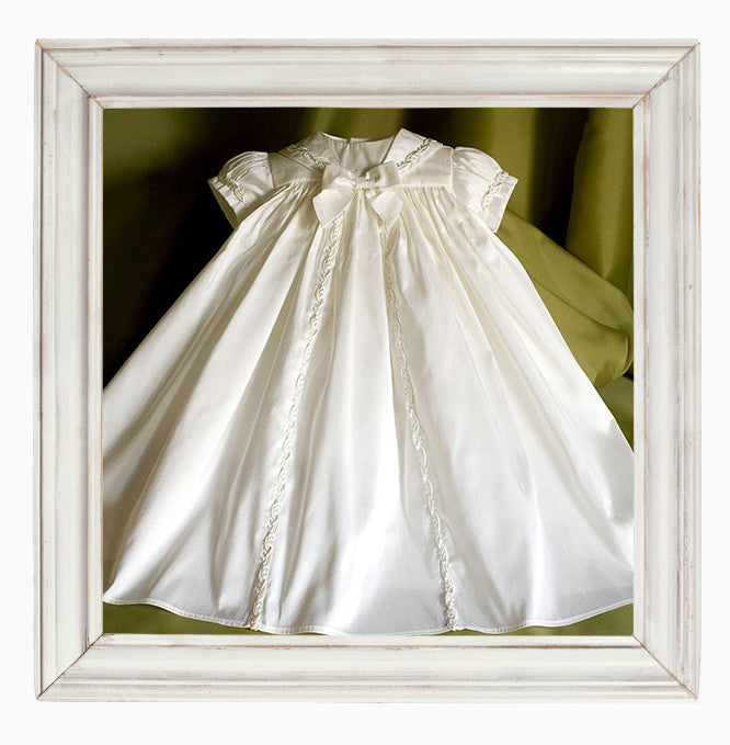 Christening gown for tiny Babies 'Peace'