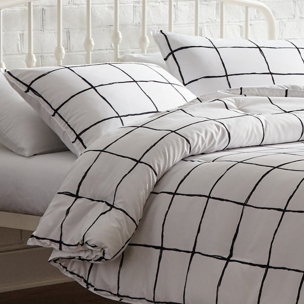 Bailey Comforter Set