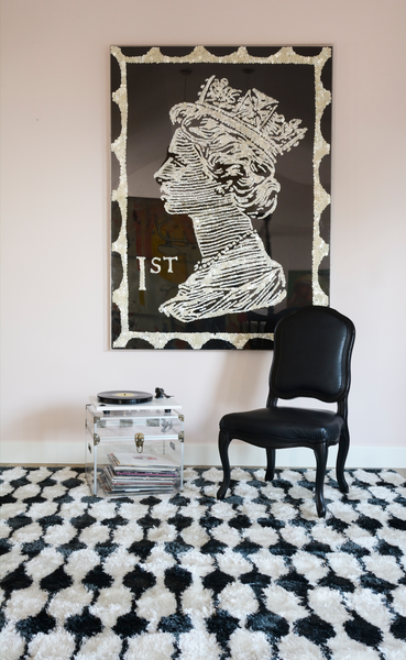Retro Stockings Black Shag Rug