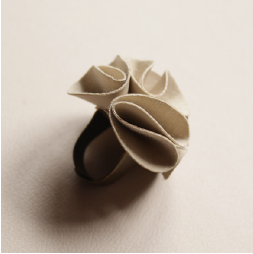 Rose Ring - Beige
