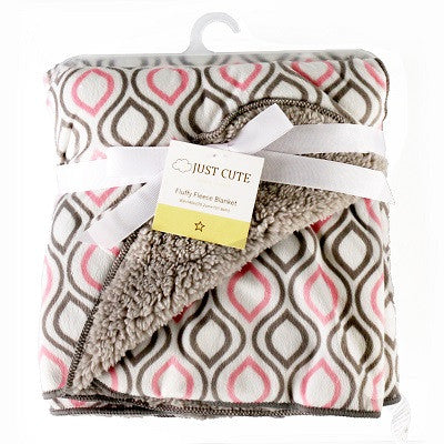 Luxurious Soft Fleece Baby Blanket - Grey/Pink Geometric