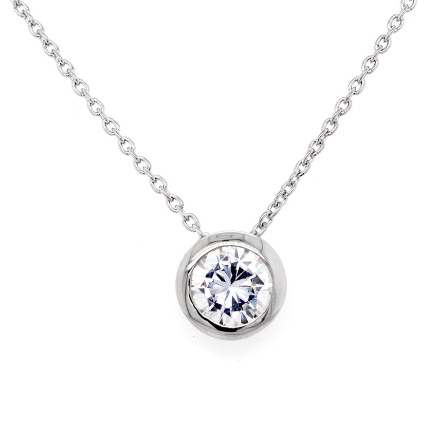 Sybella round pendant necklace