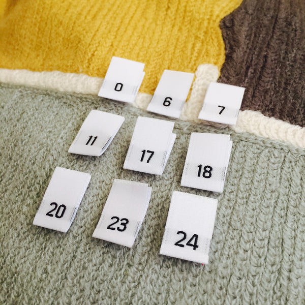 Clothing Size Labels (White Damask 00 to 25)