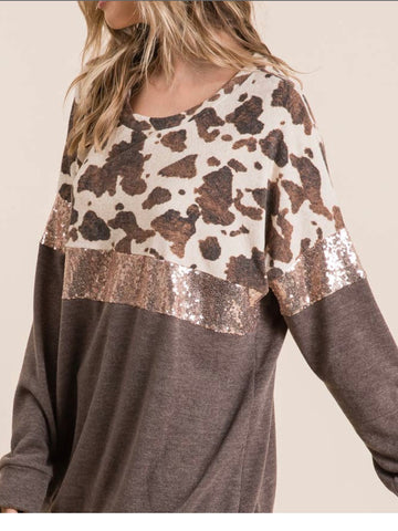 Top With Cow Print/ Sequence Colorblock