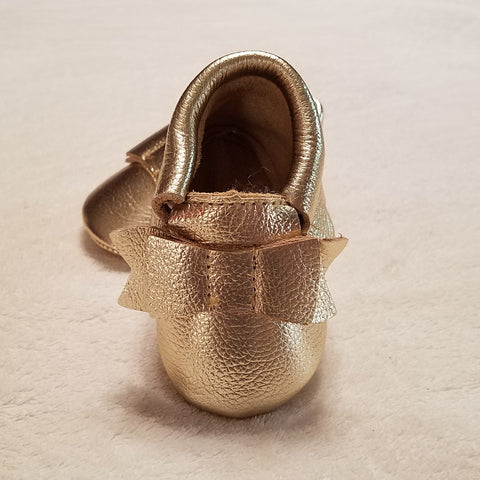 GOLD METALLIAC SCALLOP LEATHER BABY MOCCASINS