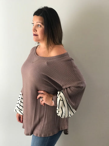 MOCHA WITH STRIPE SLEEVES