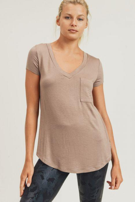Cover Your Basics V-neck Tee in Mocha