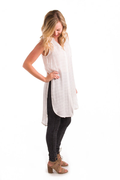 Rumor Has Slit Button-Up Tunic