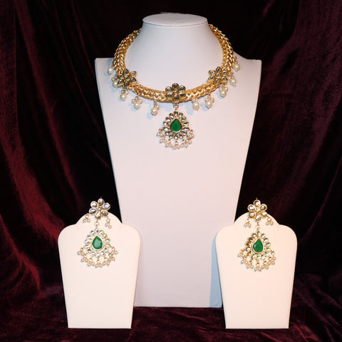 Kundan & Green Stoned Pendant Set