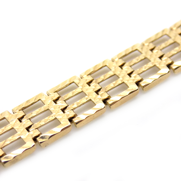 Pre-Loved 9ct Yellow Gold Ladies Accurist Watch Link Detail