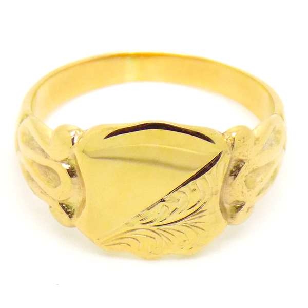 Pre-Loved Gents 9ct Yellow Gold Engraved Shield Shape Signet Ring Front