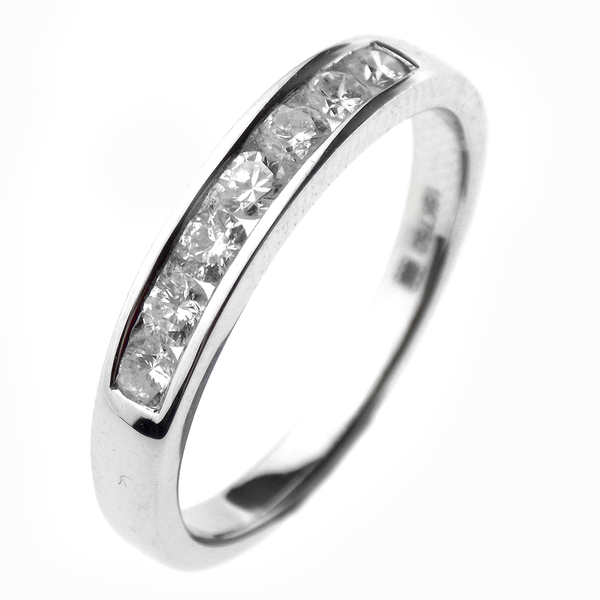 18ct White Gold Seven Stone Round Diamond Eternity Ring