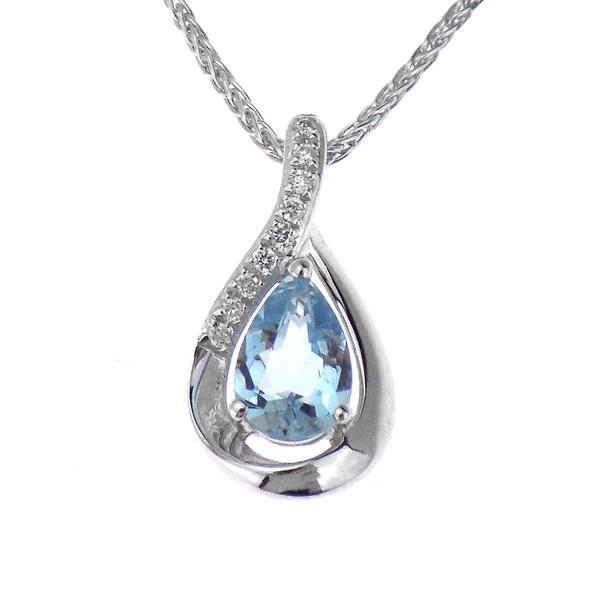 18ct White Gold 0.36ct Aquamarine & 0.03ct Diamond Pendant & 9ct White Gold Chain