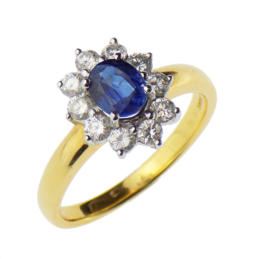 18ct Yellow Gold Oval Sapphire & Round Diamond Cluster Ring