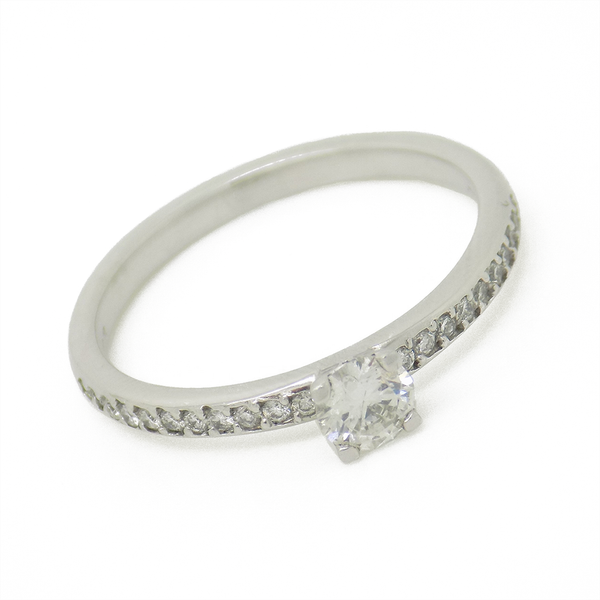 18ct White Gold Single Diamond Ring with Diamond Set Shoulders Detail