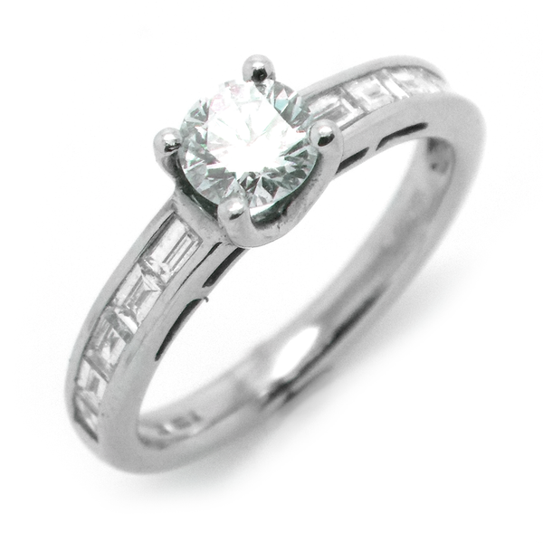 18ct White Gold Single Round Diamond Ring with Baguette Diamond Shoulders