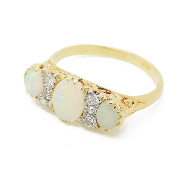 Pre-Loved 18ct Yellow Gold Opal and Diamond Ring Stone Detail